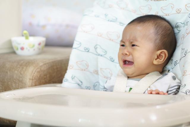 为啥3月大宝宝特别抗拒喝母乳?原来有两个苦衷,妈妈