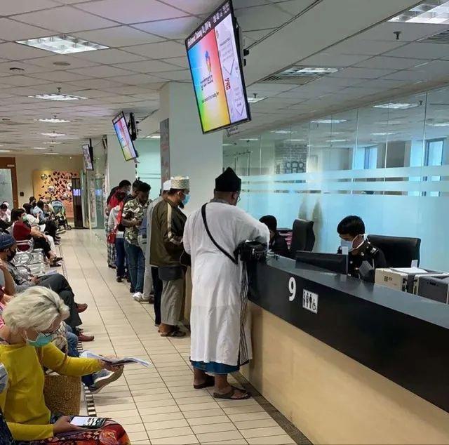 """马来西亚""""封国""""前 :华人圈炸锅,飞广州机票涨10倍"""