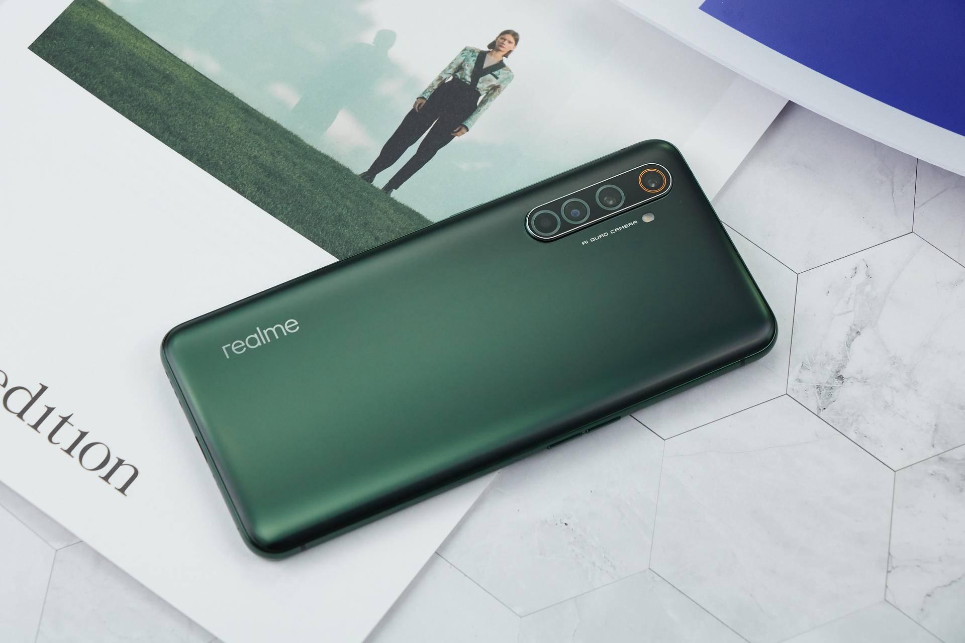 真正的X50 Pro动手体验:越级性能,65W闪充,3599起的价格真香!