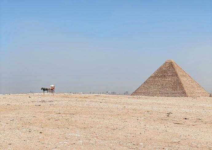 原创            关于金字塔的秘密:人类史上的奇迹,时间也对它产生惧怕