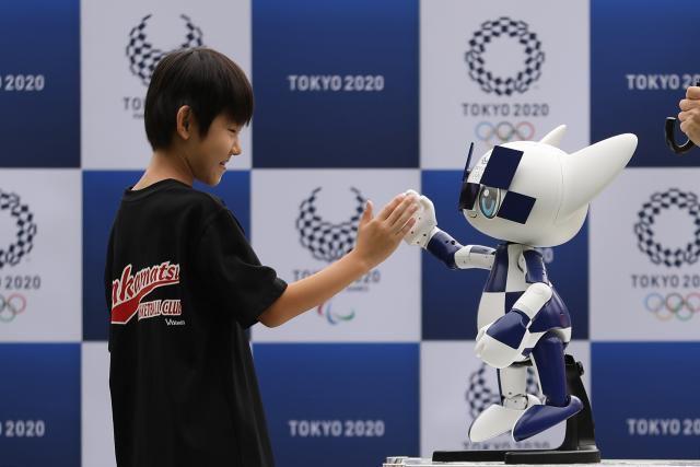 奥运史上第一次由小学生投票决定吉祥物,而他们选择了机器人!吉祥物设计 | 表情包设计 | 卡通形象设计 玩具定制 吉祥物定制插图(2)