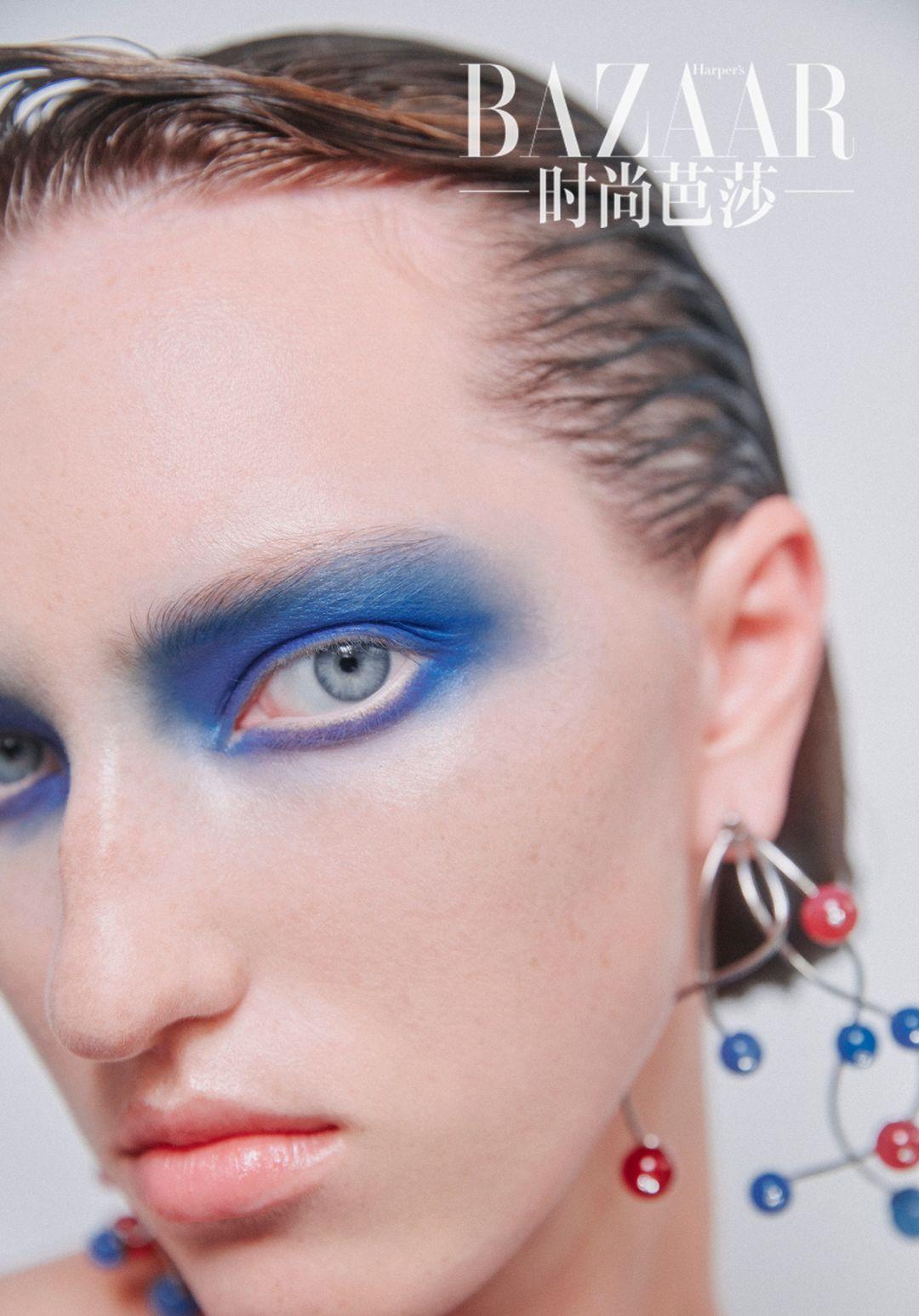 从没有想过有一天我能驾驭蓝色妆容,直到我学会……