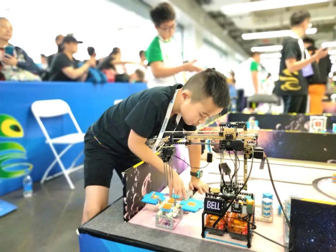 奥运史上第一次由小学生投票决定吉祥物,而他们选择了机器人!吉祥物设计 | 表情包设计 | 卡通形象设计 玩具定制 吉祥物定制插图(4)
