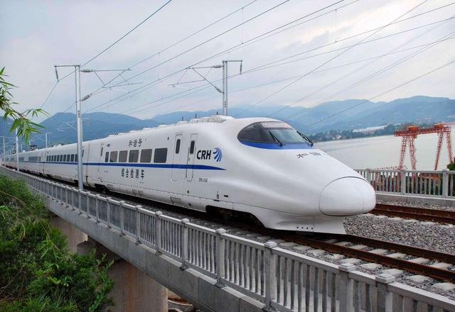"""保障河南""""米""""字型高铁网建设,"""