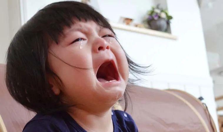 『孩子』一凶又哭得更厉害怎么办?,孩子爱哭闹