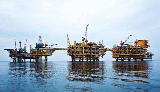 """中国在渤海发现""""聚宝盆"""",一口井年产原油40万桶,创造一个历史"""