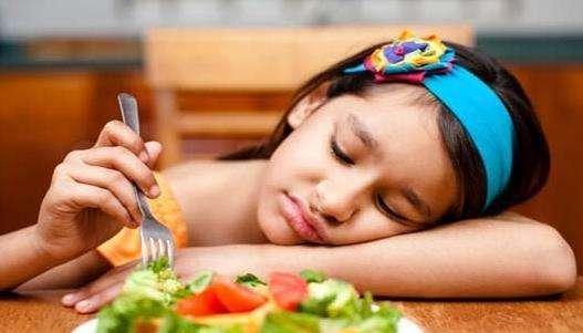 """「宝宝」,儿科医生解读:宝宝不爱吃饭,就是得了""""厌食症""""?"""
