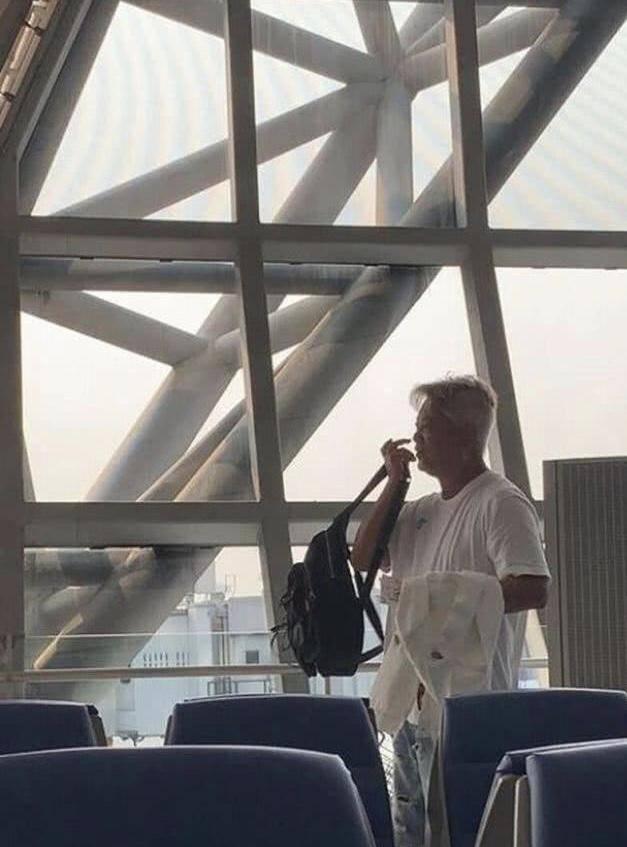 著名演员陈百祥现身机场不戴口罩引热议 其回应:鸡蛋里挑骨头