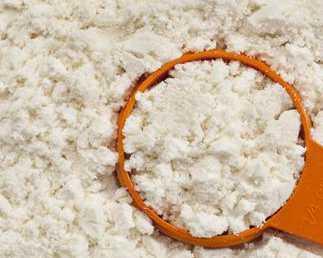 经常吃蛋白粉,可以提高免疫力?其实经常健身的人适合吃蛋白粉