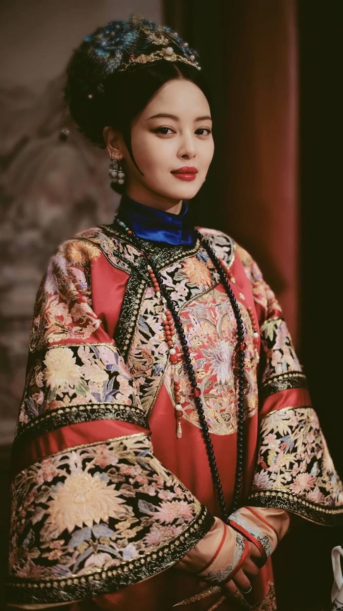 原创            她原本只是乾隆的侍女,却连生4子成皇贵妃,还和傅恒关系不一般