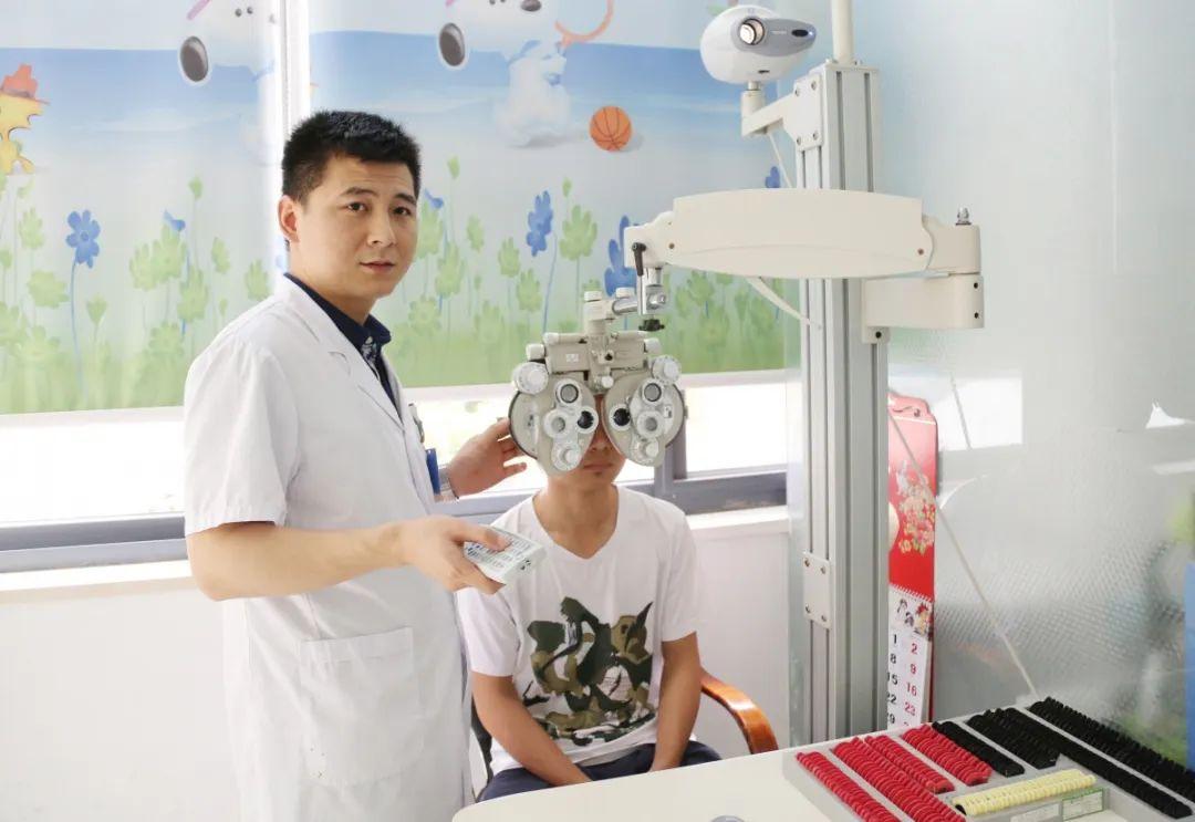 眼科医生不让孩子戴眼镜的3大理由