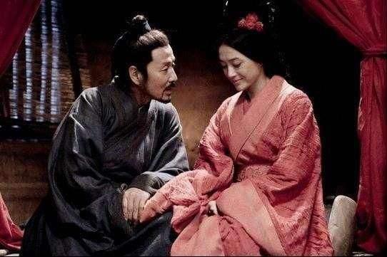 原创            刘邦欲废太子,保护戚夫人,看到四个老头却哭道:我救不了戚夫人