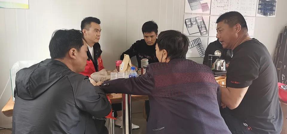 心力集团-杨总、赵总、刘总与丁总、海总和吴总展开热烈交流