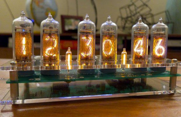 我们见惯了上古时代,由电子管组成的时钟.图片