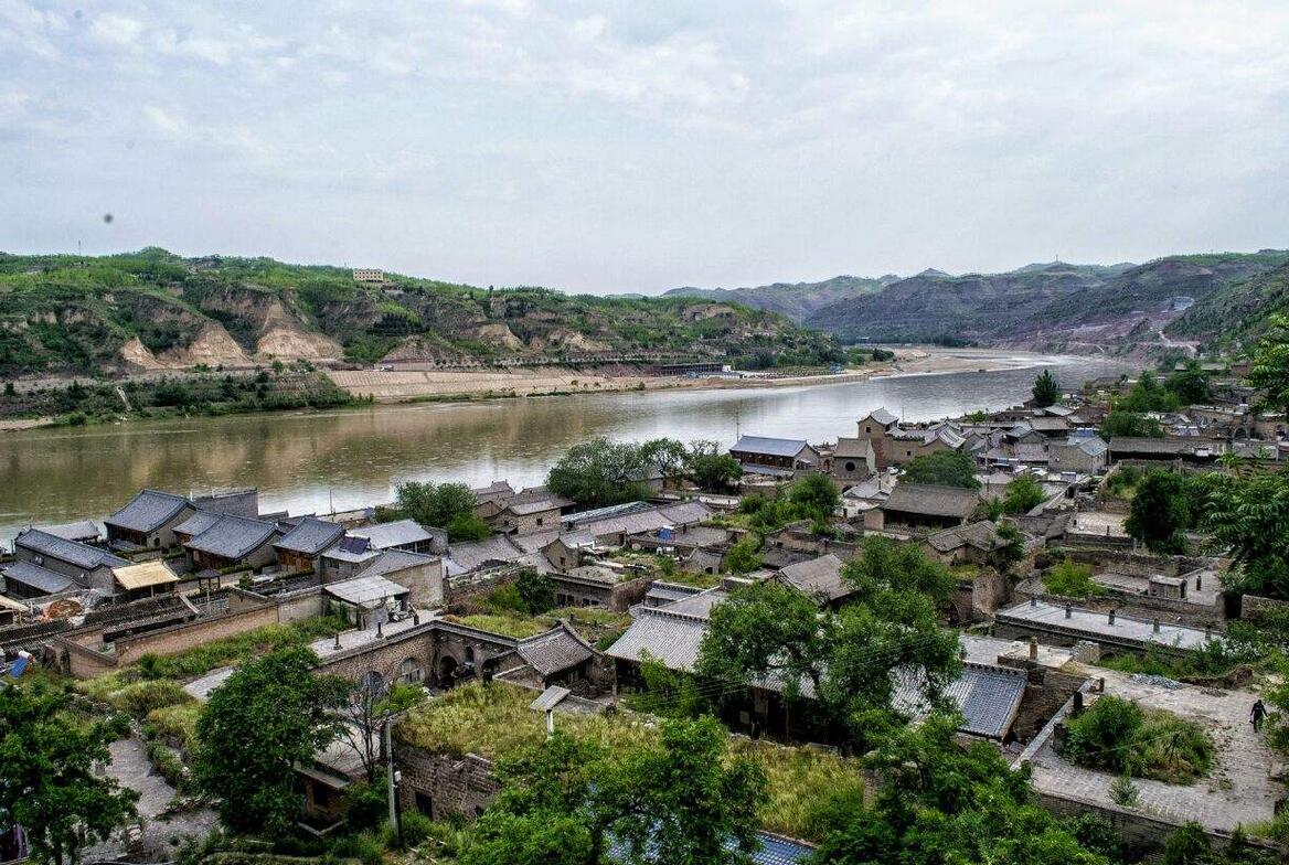 原创             世界百大濒危文化遗址,山西最繁华的九曲黄河碛口渡,一步步没落