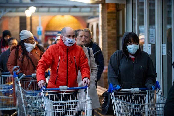 英国疫情升级,旅行限制增加,无法回国的华人怎么办?