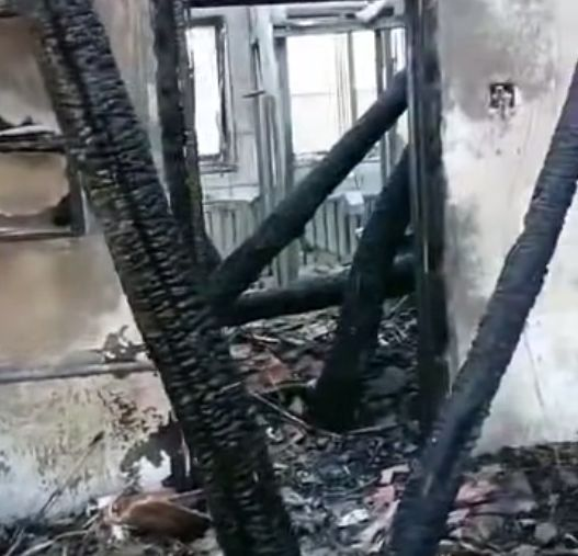 【惊险】内蒙古一农户家午夜突发大火,一条狗救了全家5人性命