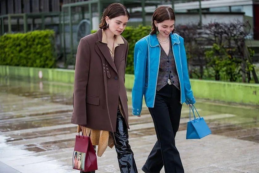 西装▲从巴黎时装周偷师搭配灵感:街拍型人们都在穿这款外套!,
