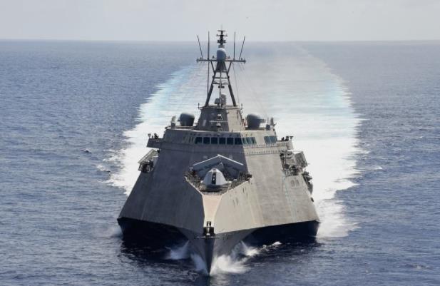 美濒海战斗舰再闯南海,若再闯将遭电磁武器攻击