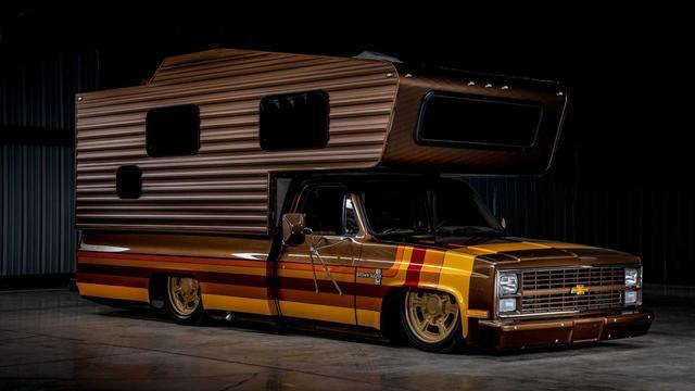 原来的1983款雪佛兰C30皮卡变成了低洼的露营车,好看又帅,但是门槛费有些高