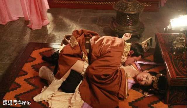 中国历史上死的最可惜的皇上,喝醉酒乱说话被老婆用被子捂死了!
