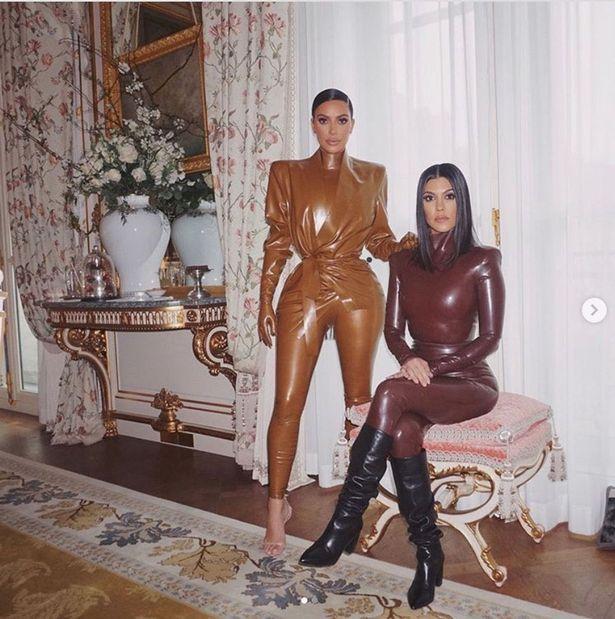 原创 明星也有普通人烦恼,金卡戴珊穿上紧身胶衣,自称像刷碗家庭主妇