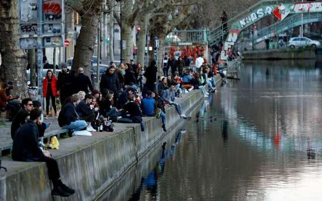 巴黎被称鬼城,007邦女郎难抵病毒,一周前发病,与韩国男星拍片