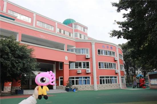 《小浪探校丨实探成都新世纪光华校区最新进展 这所老牌私立名校为何值得期待?_超越平台网页版》