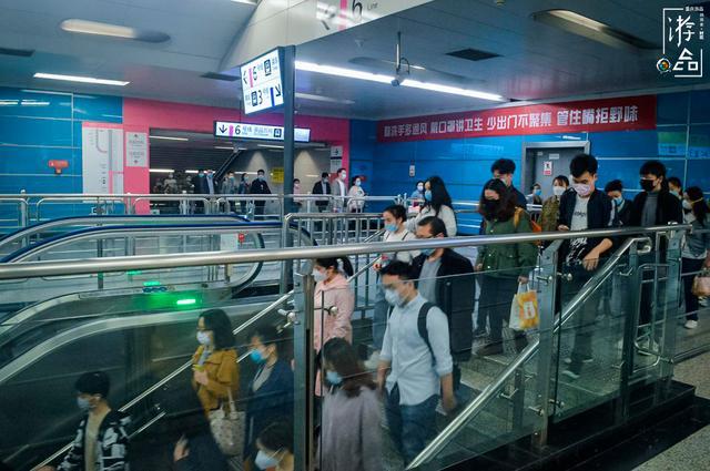 原创 重庆市住民可以不戴口罩了!但实拍之后才发现,照样摘不了