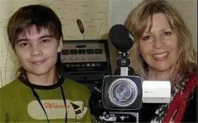 俄罗斯《真理报》曾于2004年3月报导,当年7岁的波力斯卡自称来自火星图片