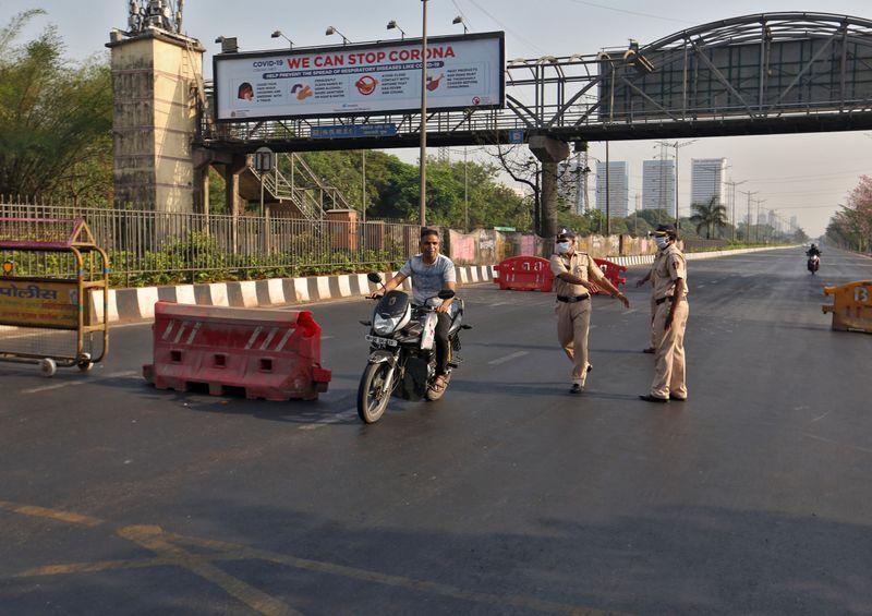 """印度宣布全国""""封城""""21天!专家警告超100万人将感染"""