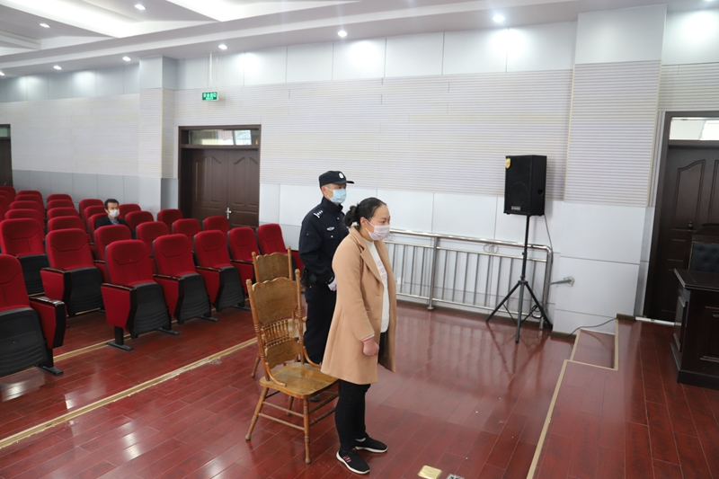 陕西留坝一女子隔离期执意离开隔离点并抓咬民警,被判缓刑