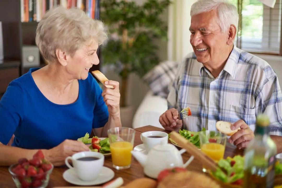老人营养不良,未必是吃得不好!
