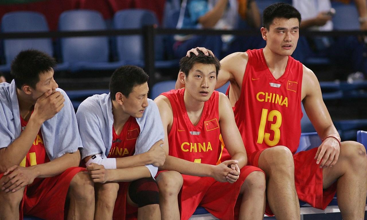 雅典奥运会中国男篮没有大郅