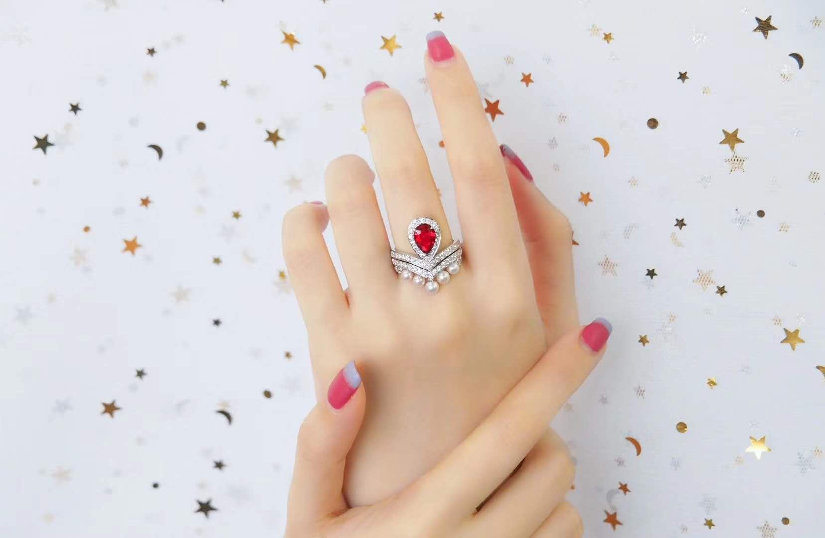 红宝石的价格涨幅超过钻石的原因是什么