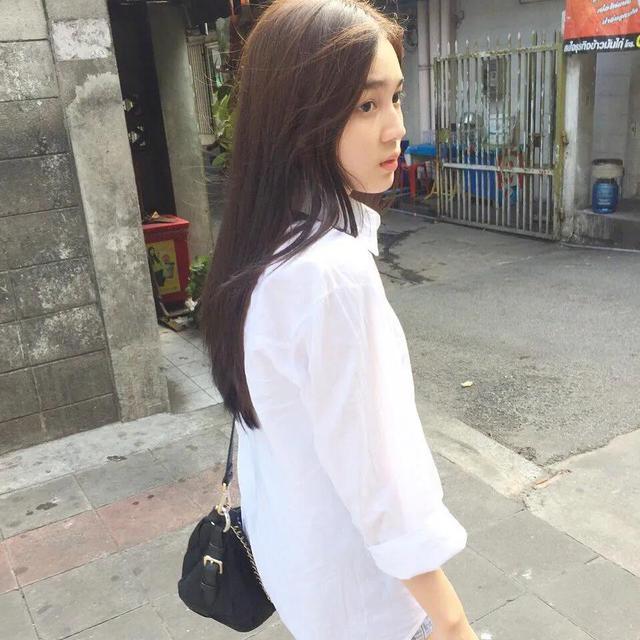 """泰国的宝藏女星,美到能""""掰弯""""人!笑起来也太甜了吧?"""