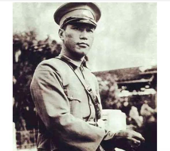 原创            蒋介石为何在抗战早期实行对日妥协政策?