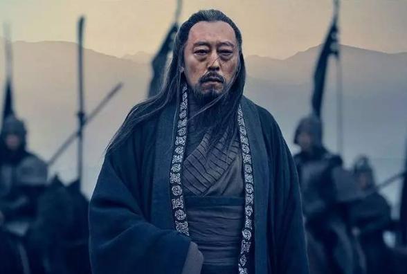曹操挟天子以令诸侯不过是小把戏,他能称霸的关键在这五大战略