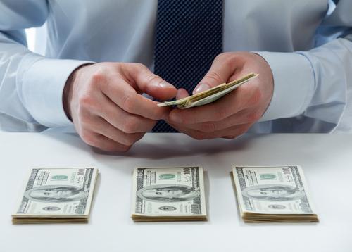 每人发放1200美元 美参议院通过2万亿刺激计划