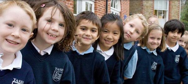 为什么反对早早让孩子留学?十年华侨说出真相:比被带歪更残酷