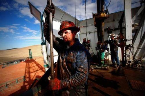 在与俄罗斯的价格战使原油价格跌至近二十年来的最低水平之后,特朗普