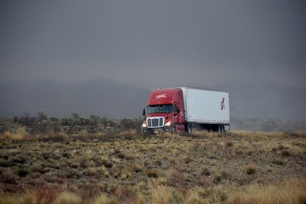 图森未来联手采埃孚 推动无人驾驶卡车商业化