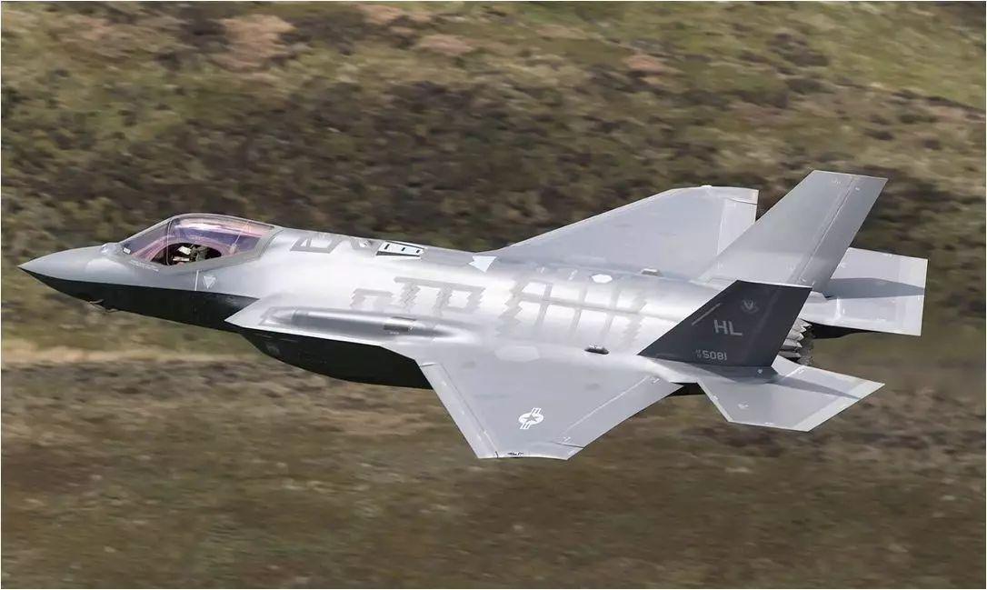 """德国战机采购计划!彻底放弃F-35战机,采购成熟的F-18和""""台风""""_中欧新闻_欧洲中文网"""