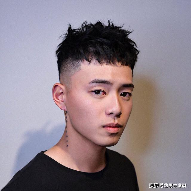 """原创男生剪""""短烫""""发型超好看!简单帅气的造型,让你的颜值也提升"""