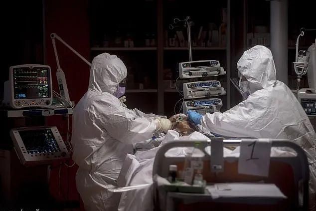胡锡进:必须向西班牙意大利等欧洲国家医护人员致以敬意_中欧新闻_欧洲中文网