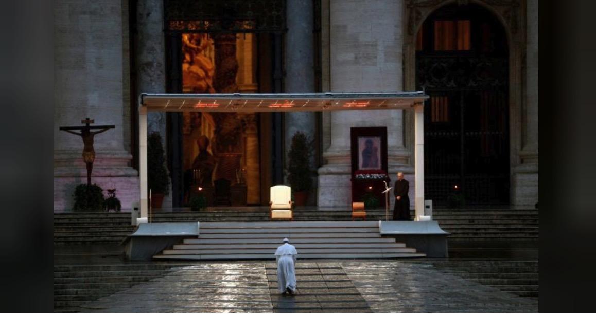 意大利一日病亡近千人,教皇方济各面对空旷的广场发表演讲_中欧新闻_欧洲中文网