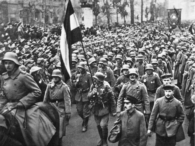 二战史最耻辱战争:50万士兵用飞机坦克,却打不过拿着弓弩的土著_中欧新闻_欧洲中文网