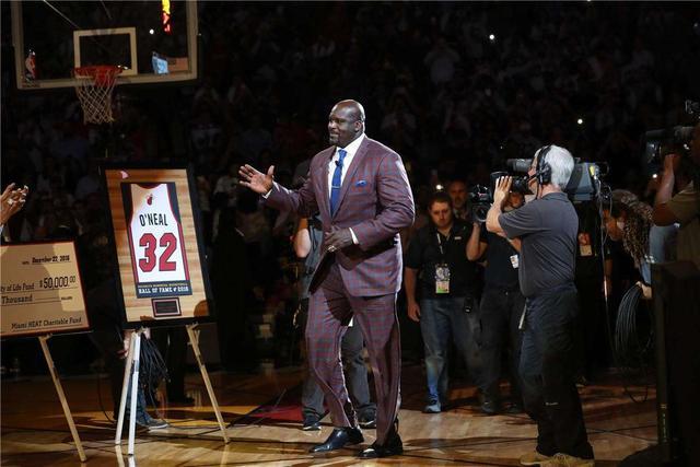 原创             NBA:雄鹿核心谈历史前六,五人都来自湖人,最喜欢的是库里!