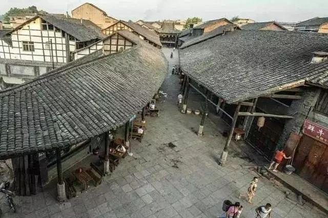 四川藏了一个明清时期的小镇,百姓还在古街上生活!至今无人敢信