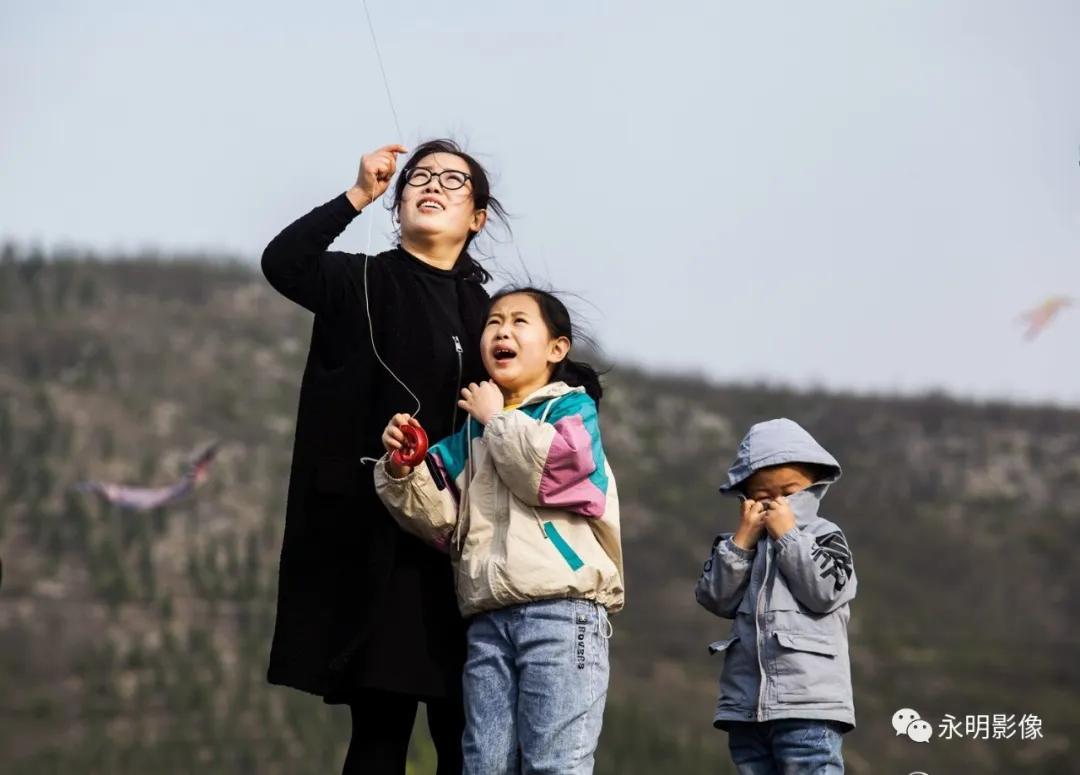 【街拍纪实】放飞风筝 畅玩乐趣